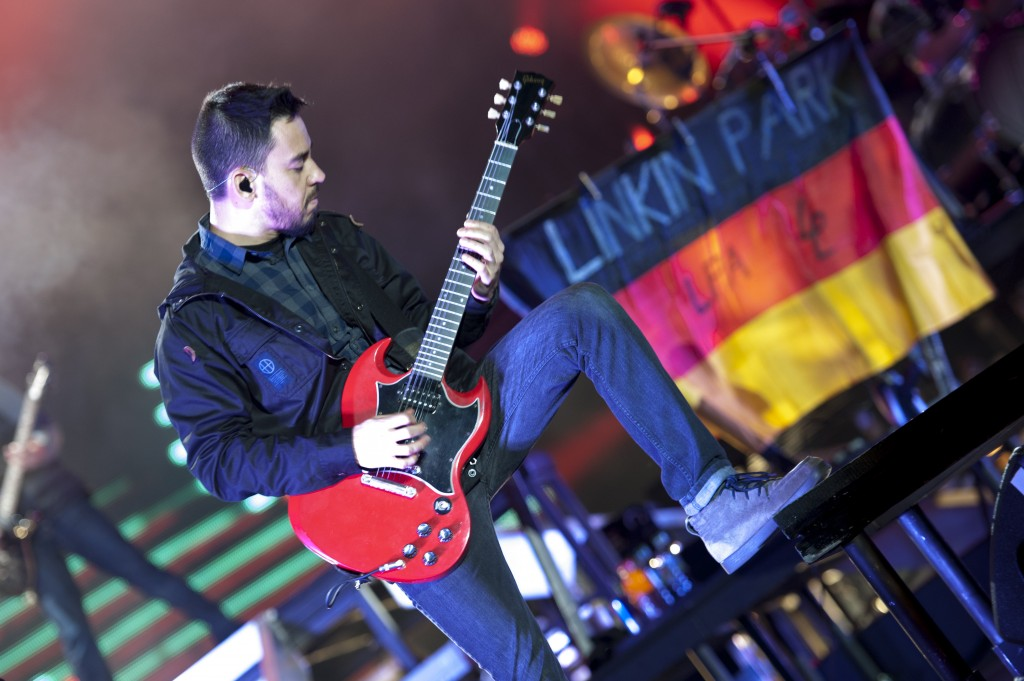 NUERBURG, GERMANY - JUNE 01: Mike Shinoda of Linkin Park performs on stage during the first day of Rock Am Ring on June 01, 2012 in Nuerburg, Germany.  (Photo by Peter Wafzig/Redferns via Getty Images)